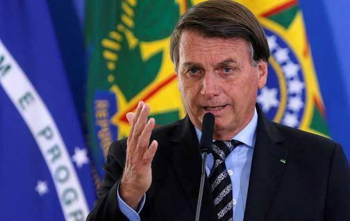 """Bolsonaro dice """"solo Dios"""" lo sacará de la Presidencia"""