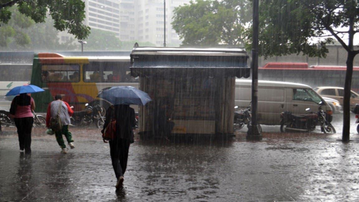 Siguen las lluvias con relámpagos en varias localidades del país