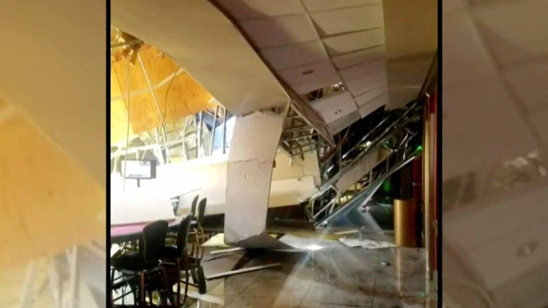 Varios heridos al caerse parte techo de un casino
