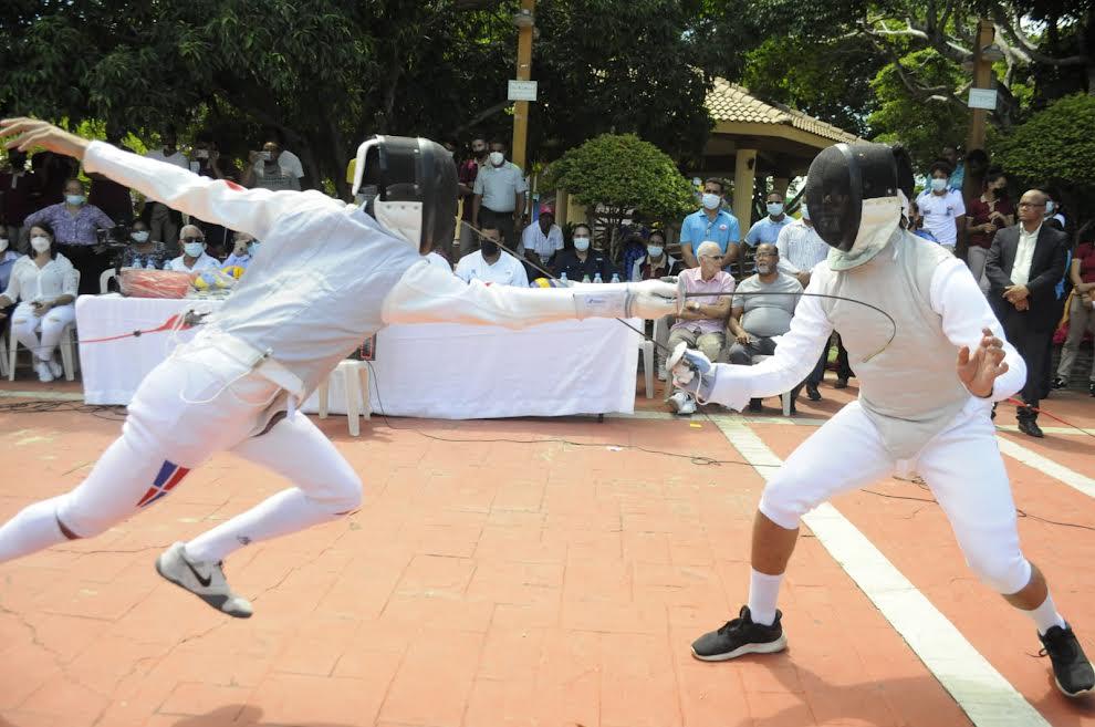 Federación Esgrima busca promover la disciplina deportiva