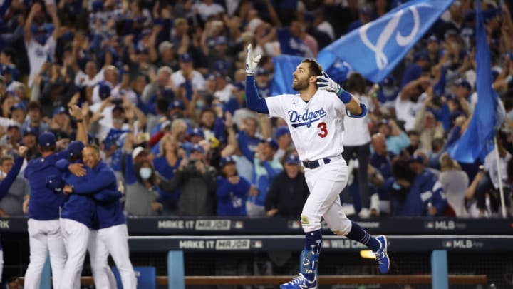 Taylor entrega a los Dodgers boleto para Serie de División