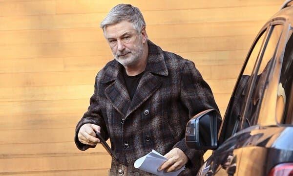 Baldwin fue avisado de que la pistola no tenía balas, según la nota judicial