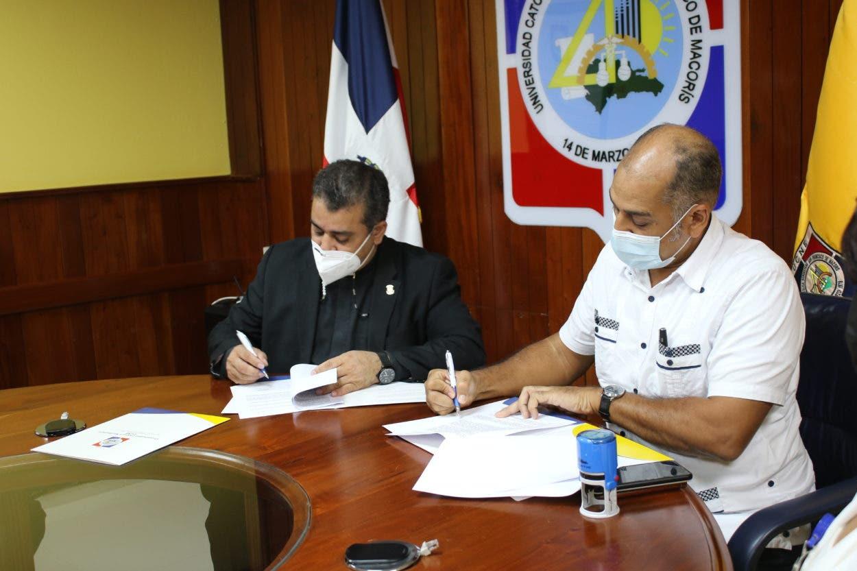 UCNE y Antillian Service firman convenio