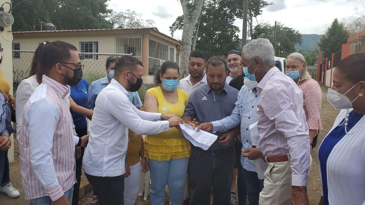 Entregan casa a familia no vidente en Jarabacoa