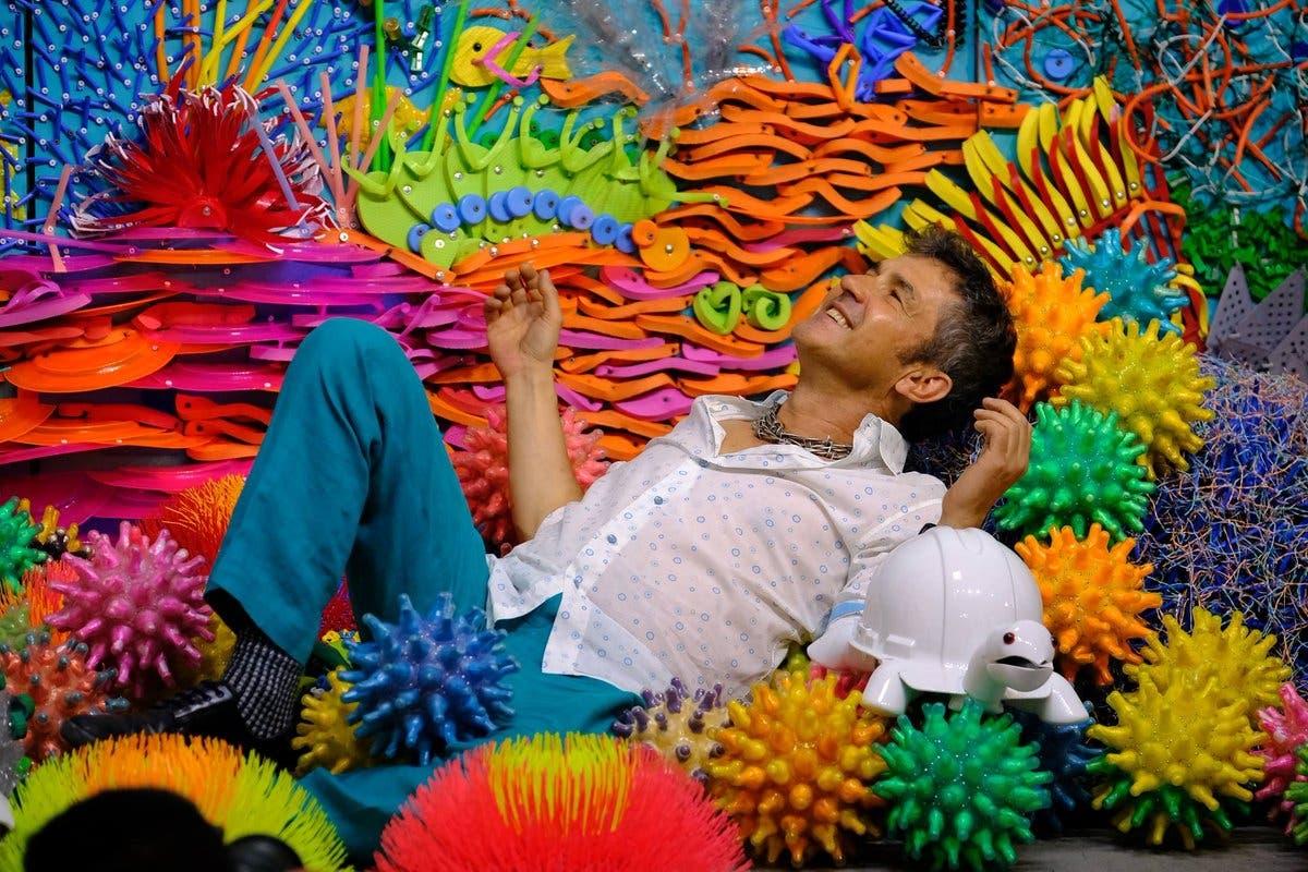 Federico Uribe en la obra de arte del Latin Grammy