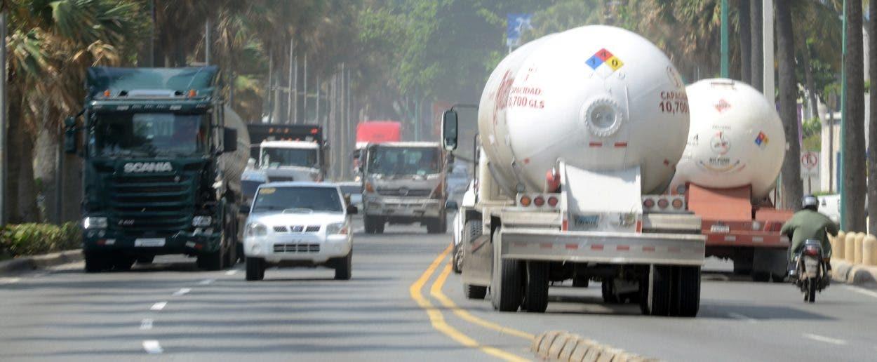 Sacan camiones del DN