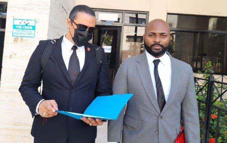 Tribunal cita a Abinader por medida covid