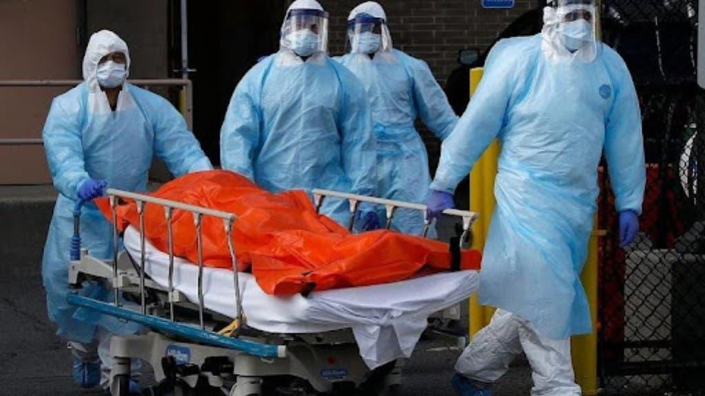 La covid-19 infectó 376 mil en un año