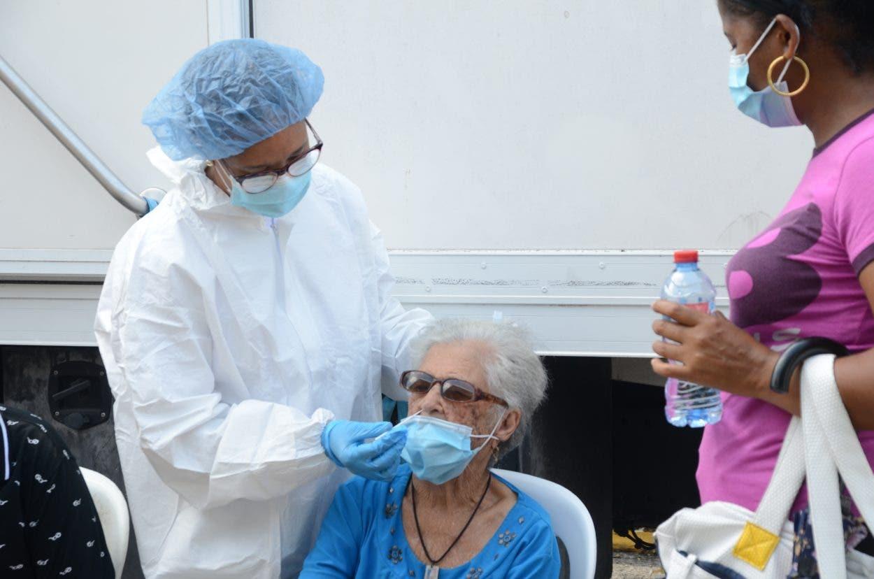 Muchos se hacen prueba de covid y no se vacunan