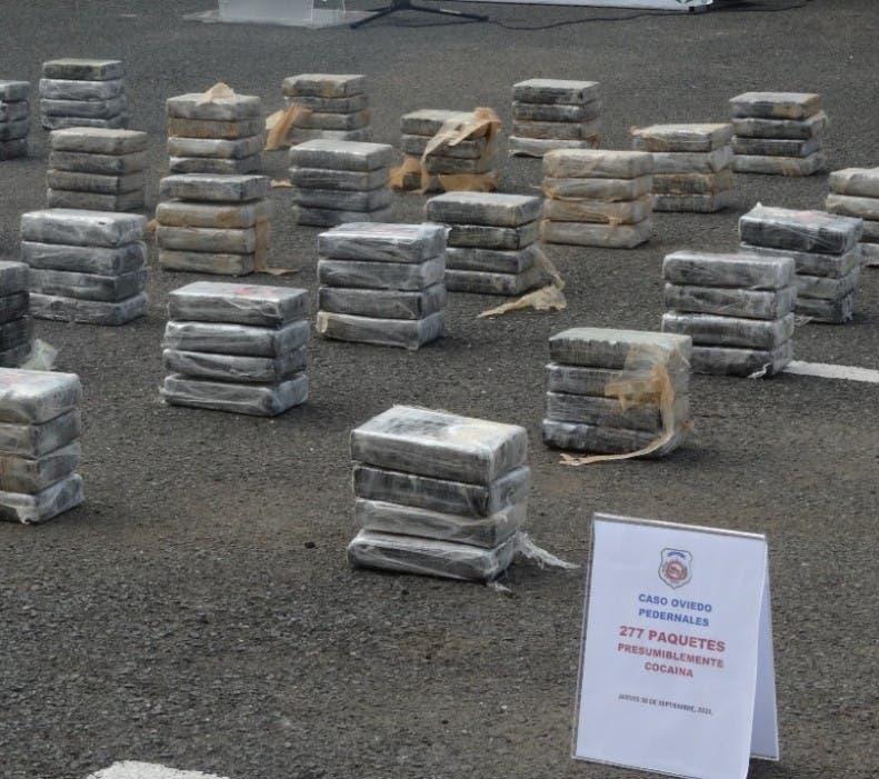 Persiguen por carga de 277 kilos de cocaína