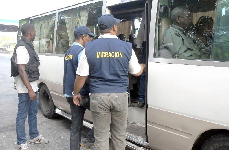 Migración detiene a cientos de ilegales