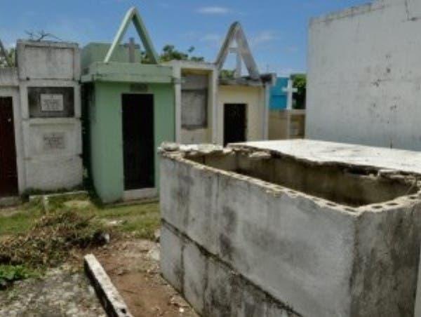 Indagan profanación 4 tumbas en Maizal