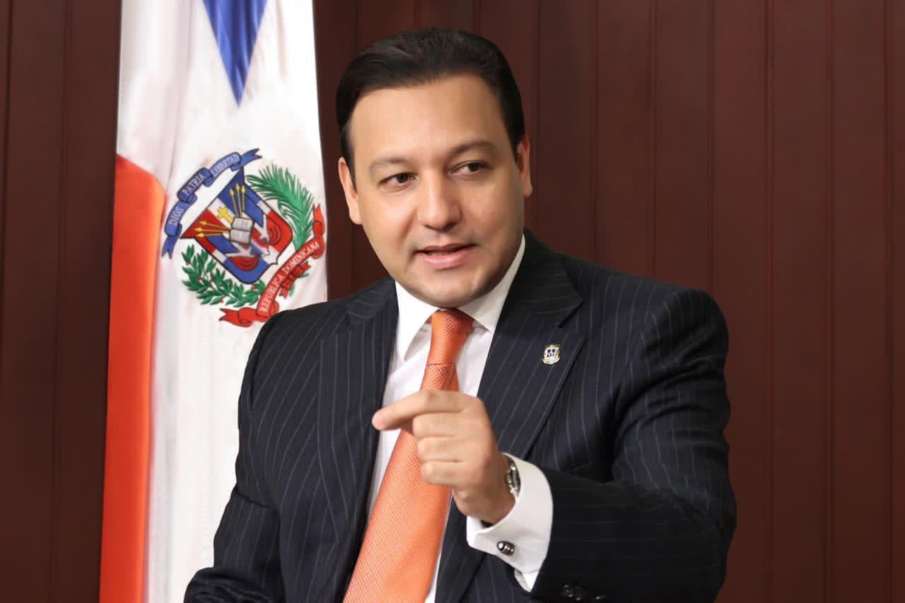 Abel Martínez felicita a Hidalgo por triunfo en la ADP