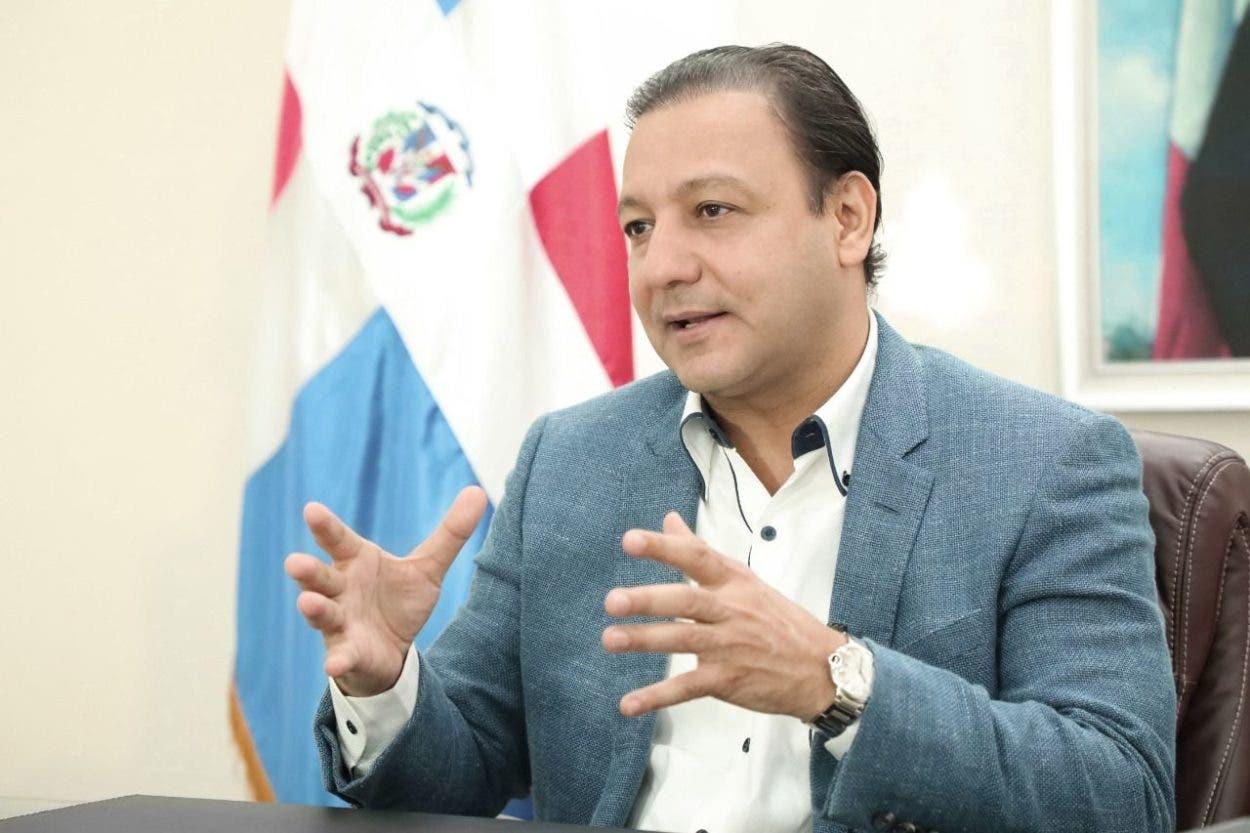 Abel Martínez califica irresponsalidad de MSP suspensión jornada vacunación