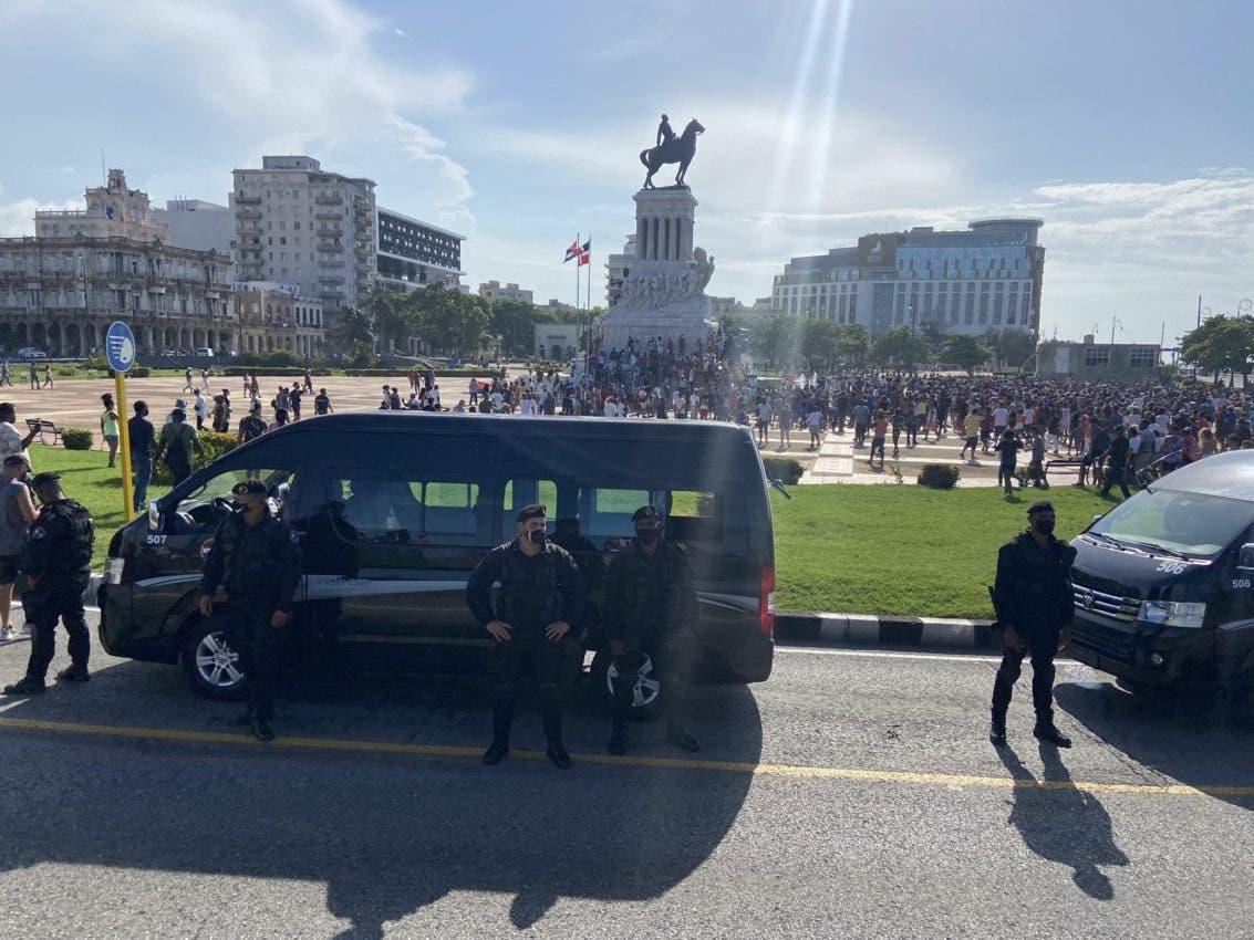 """EEUU insta a Cuba a respetar """"derechos fundamentales"""" tras prohibir marcha"""