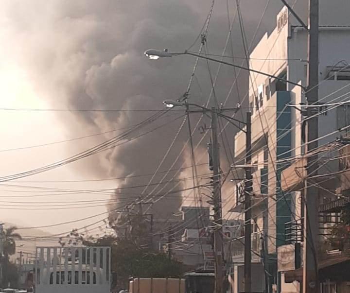 Fuego afecta Casa Mora de La Vega