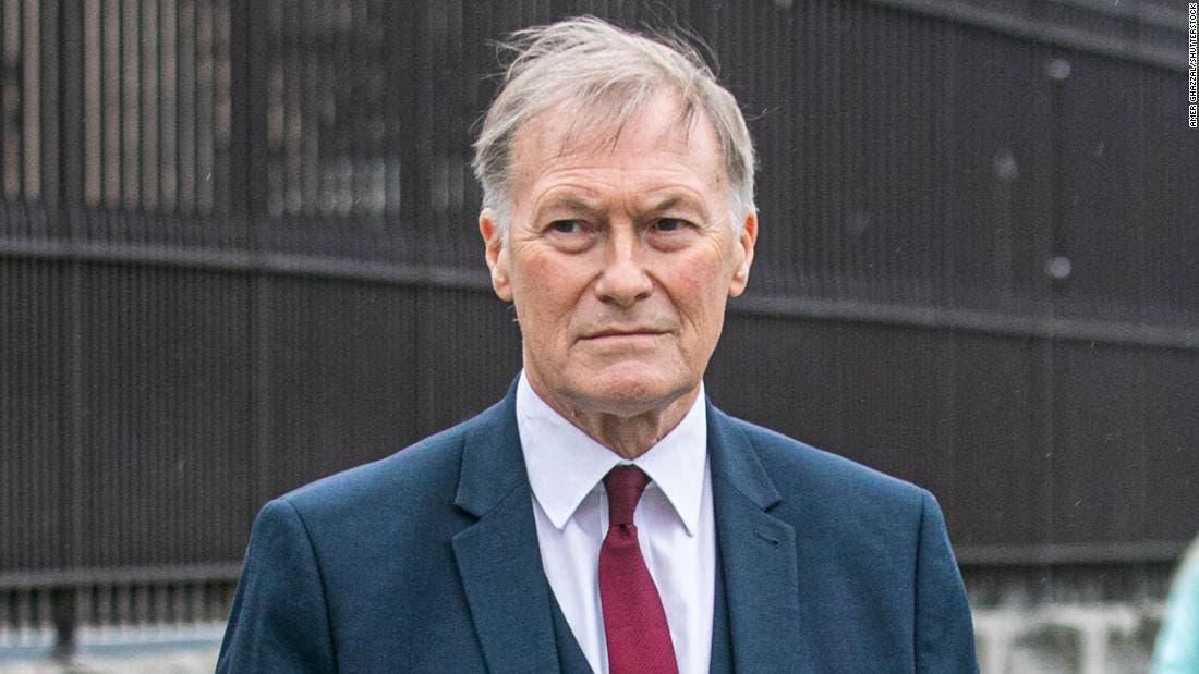 Muere David Amess, diputado conservador apuñalado en Inglaterra