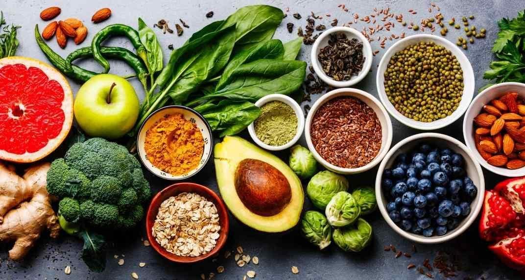 Dieta rica en polifenoles mejora síndrome intestino