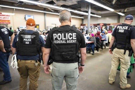 EUA suspende redadas contra indocumentados