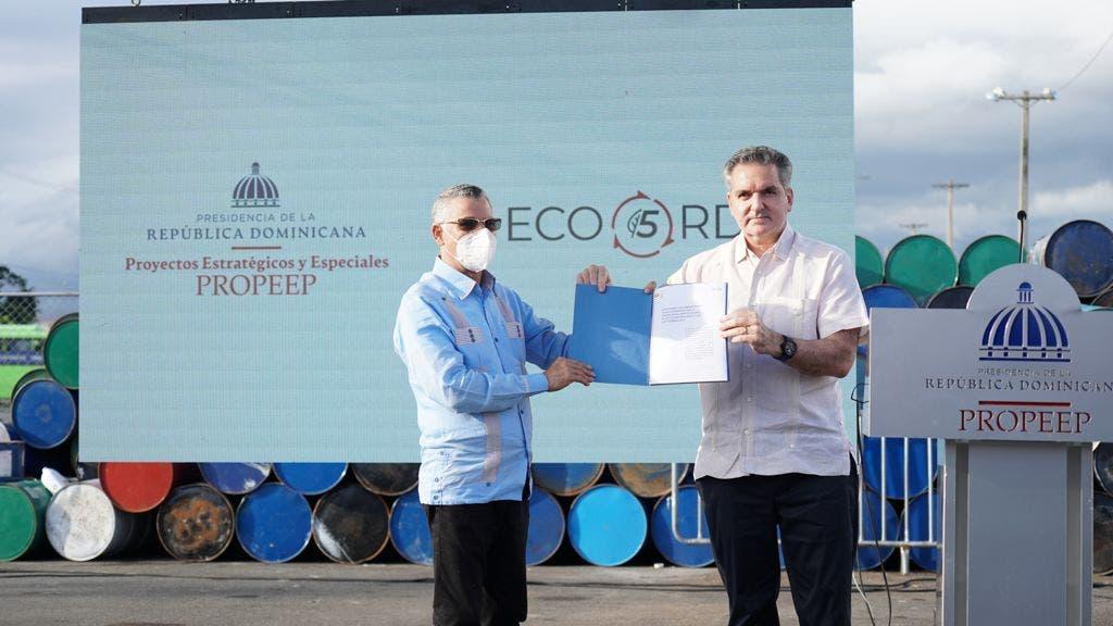 Gobierno dice recogió  200 mil toneladas de basura en SDE