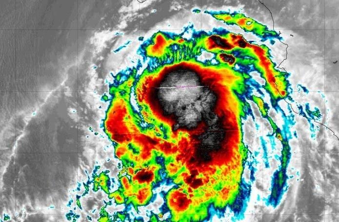 El huracán Pamela se fortalece en el Pacífico mexicano