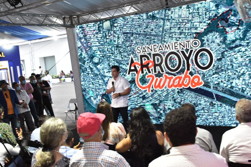 Director de INAPA presenta en Expo Cibao 2021 plan de saneamiento para Santiago
