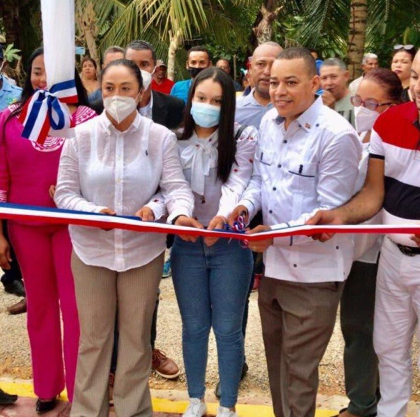 Inauguran cementerio en Los Jengibres, Las Gordas