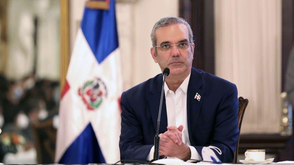 Abinader analiza con Falpo reforma fiscal