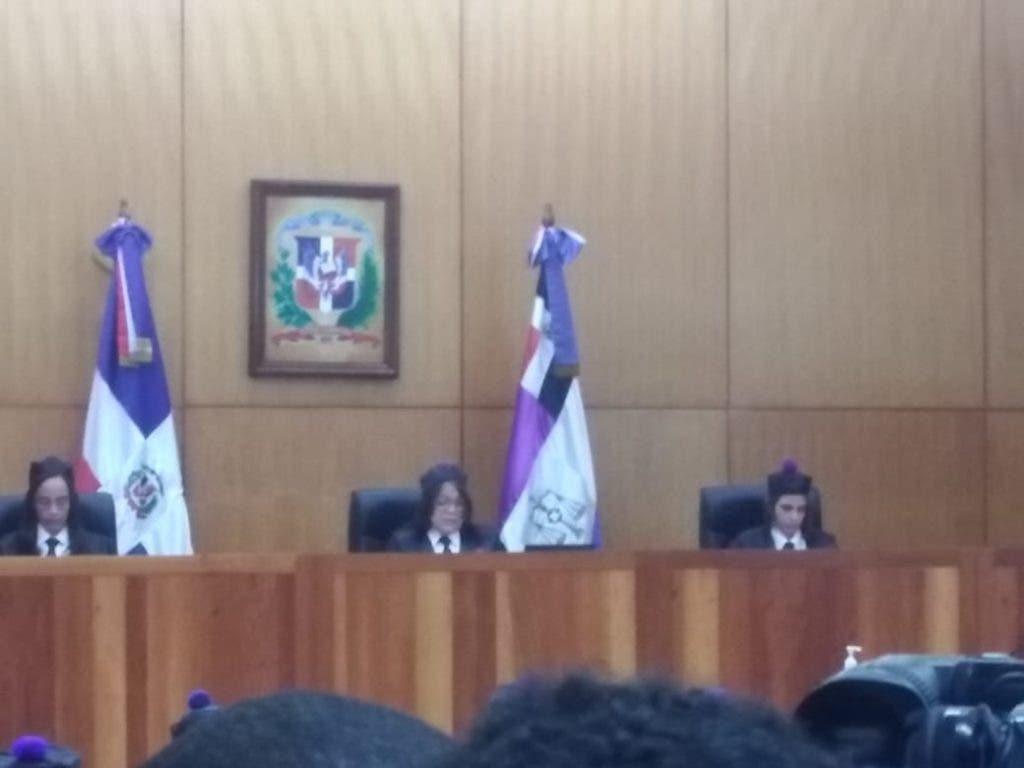 Las juezas Giselle Méndez, Tania Yunes y Jissel Naranjo durante la lectura del dispositivo de la sentencia del caso Odebrecht,
