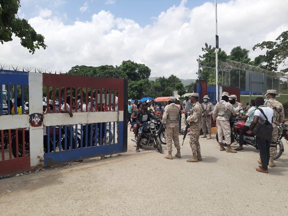 Mantienen resguardada la frontera por protestas en Haití