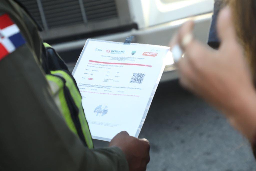 Orientan a usuarios para regulación vehículos pesados en DN