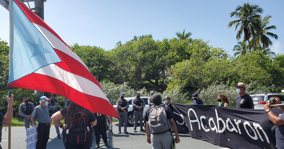 Bloquean importante avenida de San Juan en protesta contra el plan de deuda