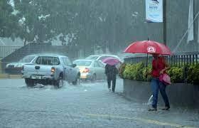 Vaguada en altura provoca lluvias en RD