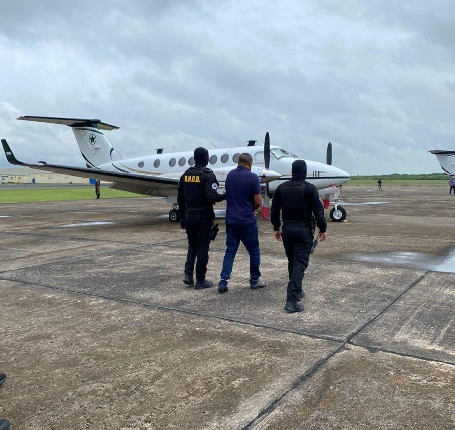 RD envía 3 extraditables a Puerto Rico por tráfico de drogas