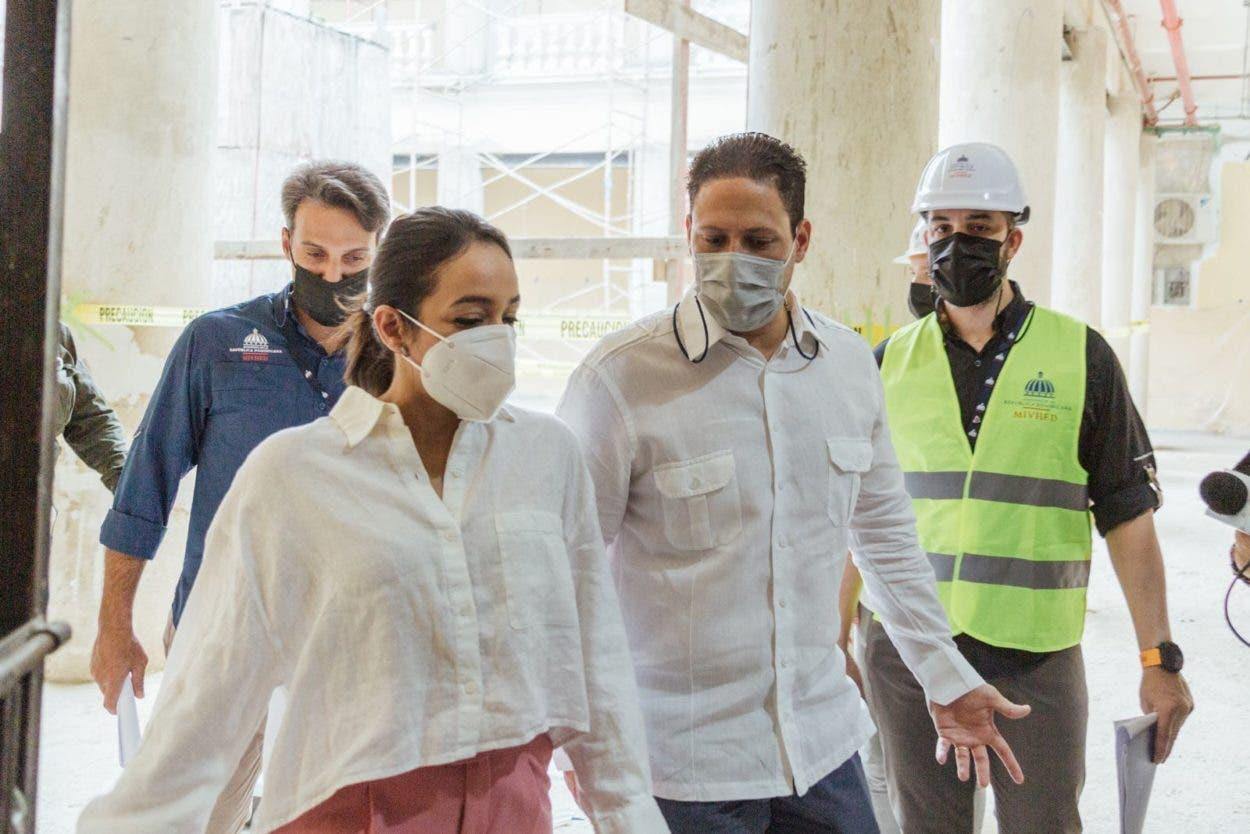 Supervisan los avances del Hospital Padre Billini