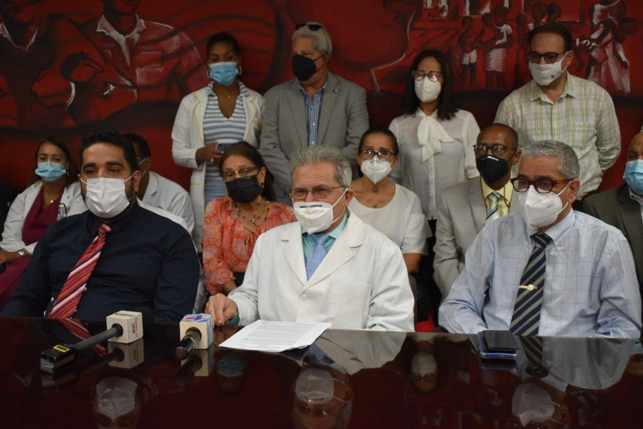 Médicos dejan sin efecto paro de servicios