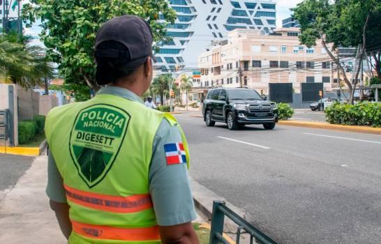 DIGESETT desahoga tránsito en avenida Jacobo Majluta