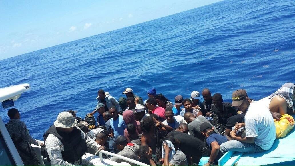 Detienen a 10 haitianos y 2 dominicanos al tratar de llegar a Puerto Rico