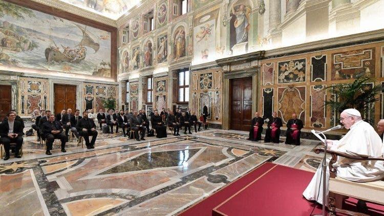 El papa pide eliminar muros del egoísmo