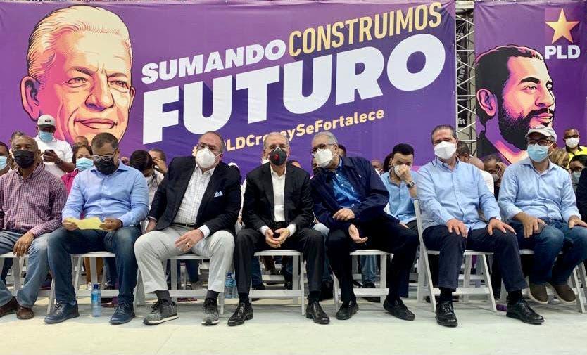 EN VIVO: Danilo Medina juramenta 2,921 nuevos miembros al PLD