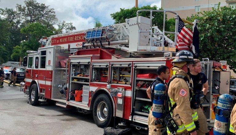 Florida: despiden a jefe bomberos por no obligar a vacunarse