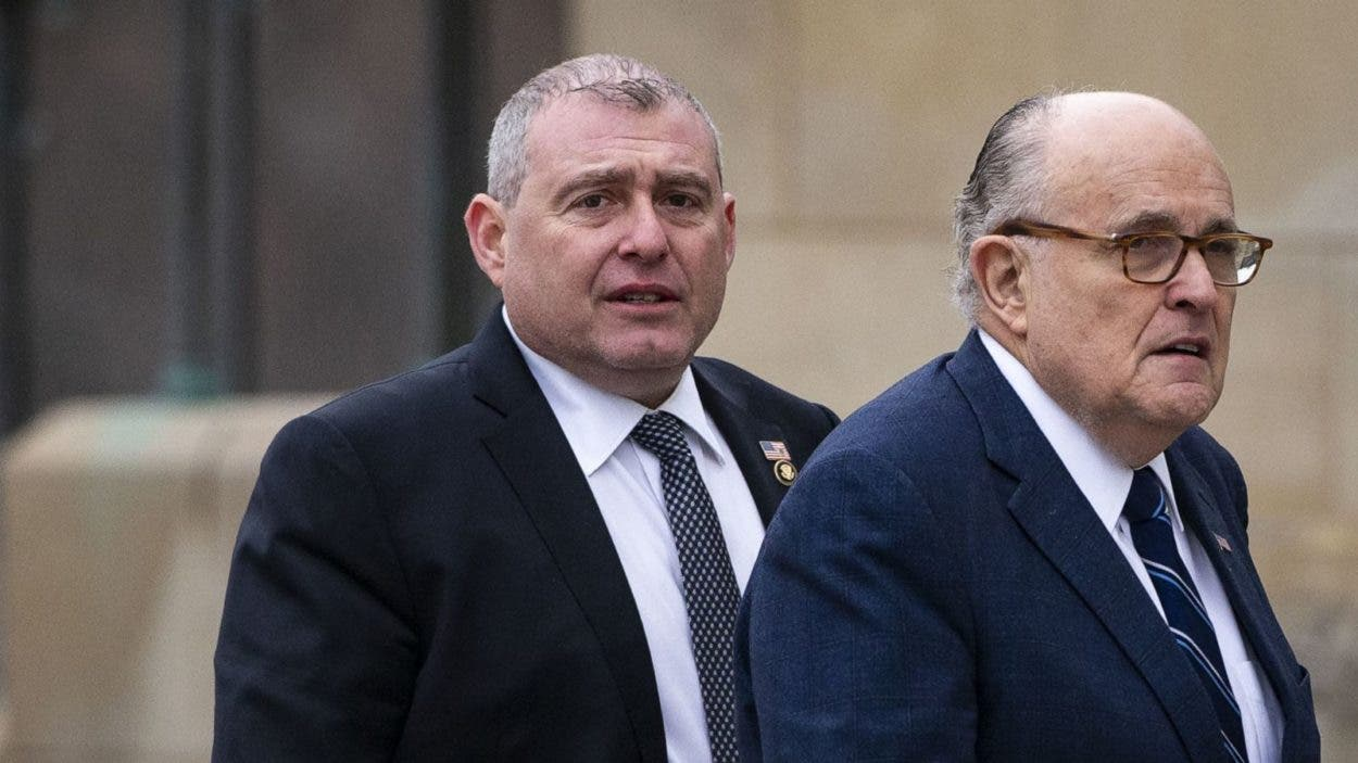 Antiguo socio de Rudy Giuliani es condenado por financiación de campañas
