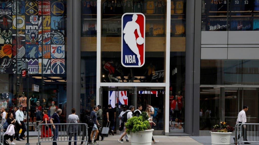 Acusan a 18 exjugadores de la NBA de defraudar 4 millones a su seguro médico
