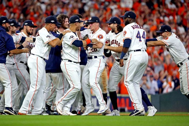 Astros avanzan, Correa se une a Pujols