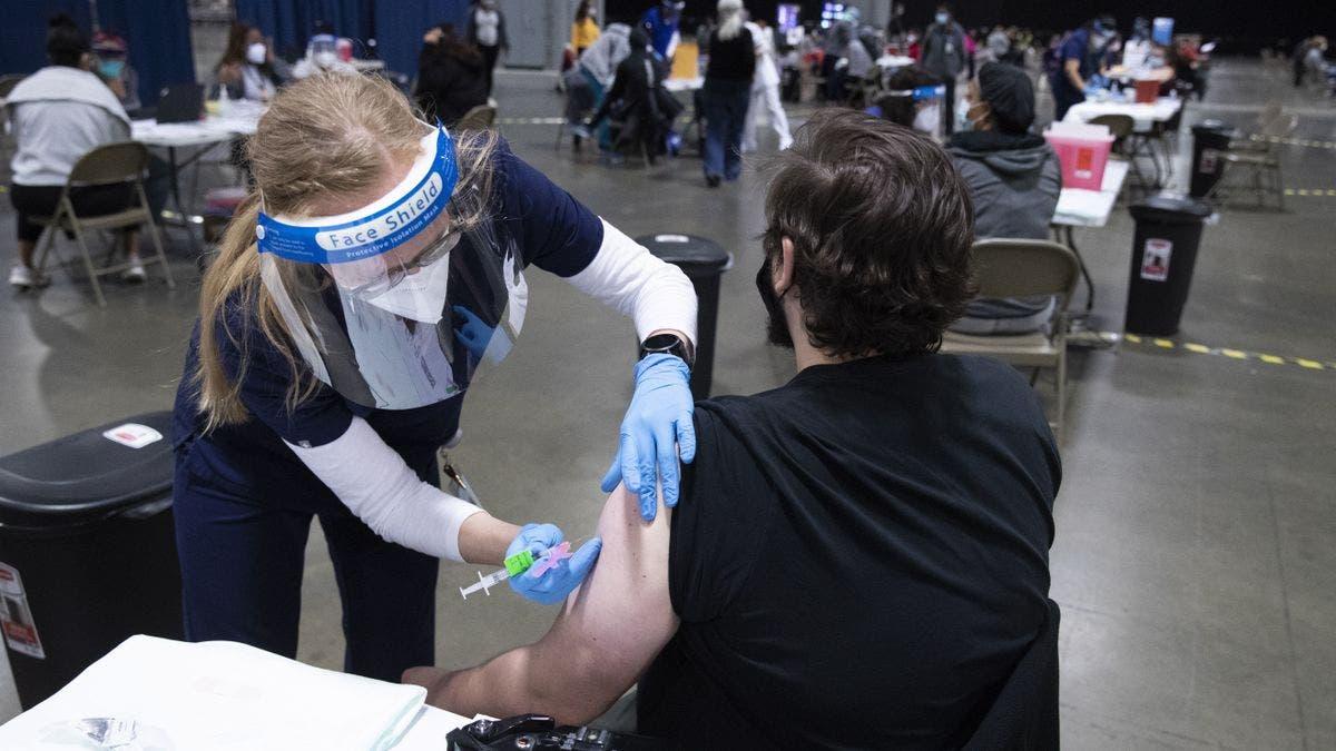 EE.UU. llega mañana a las 200 millones de vacunaciones prometidas por Biden