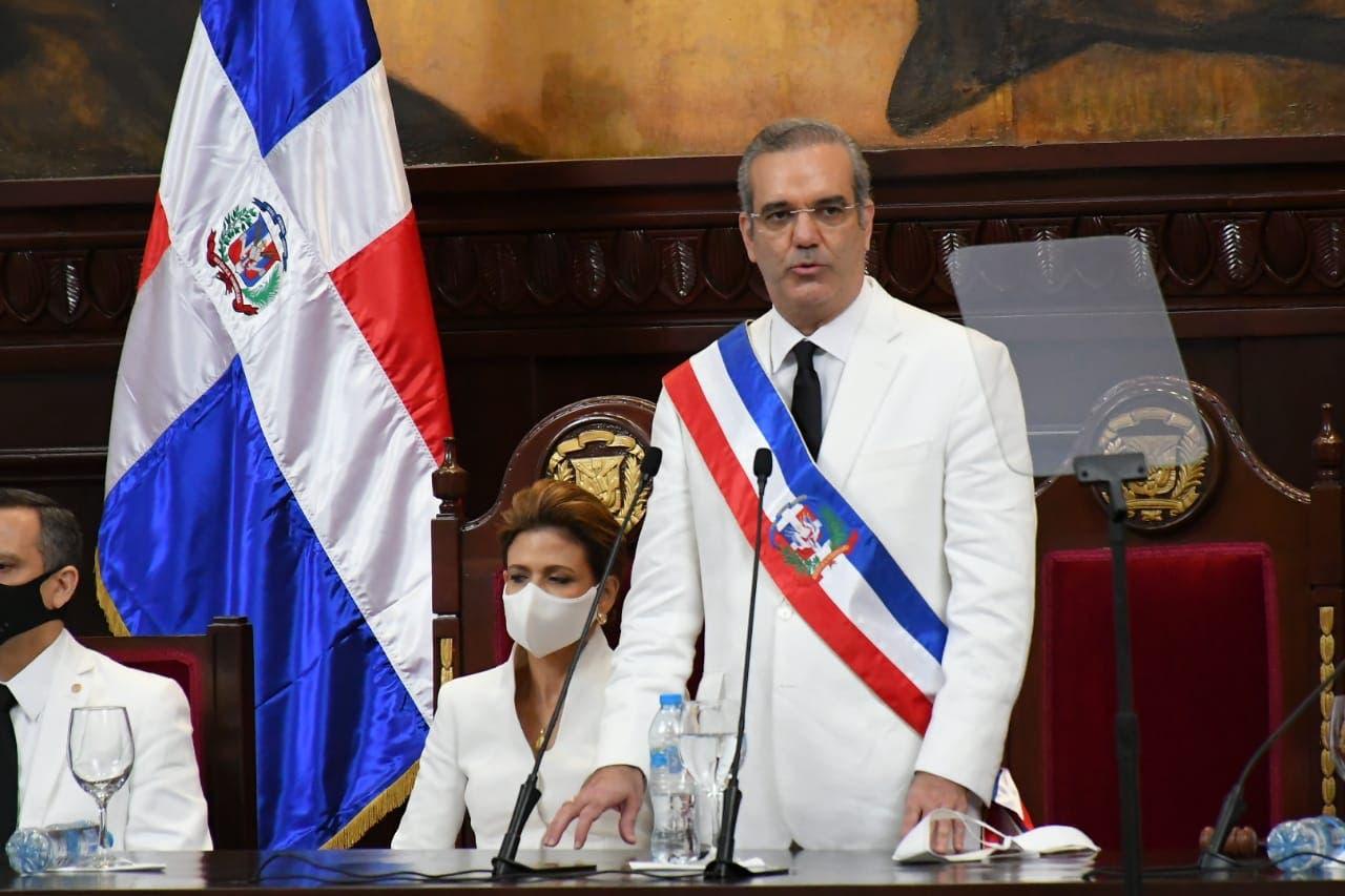 Luis Abinader anuncia hará reforma integral de la Policía